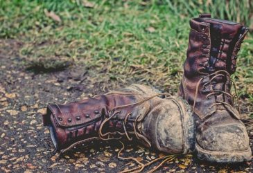 Best Work Boots For Landscaping: Your Guide To Choosing Reliable Footwear That Withstand Job Hazards