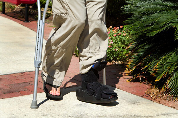 tips for wearing a walking boot