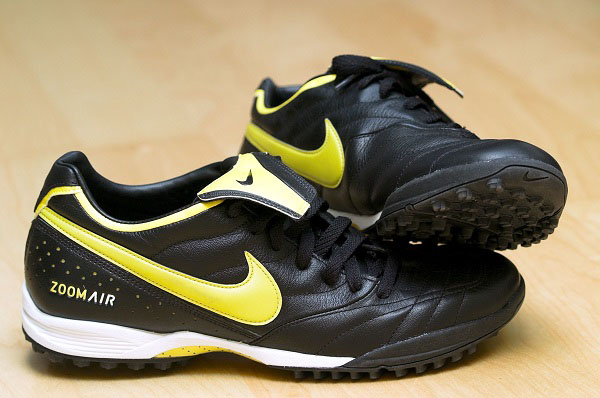 can you wear turf shoes on gym floor
